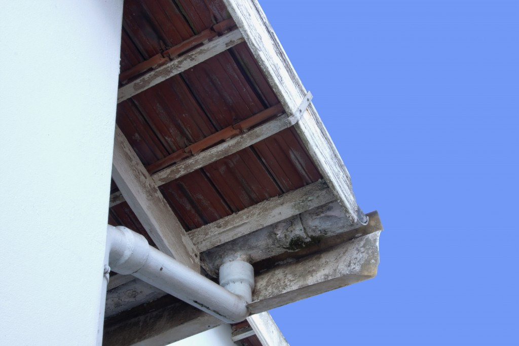 Keeping Your Gutters On The Straight And Narrow